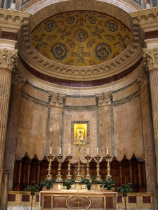 Pantheon alter