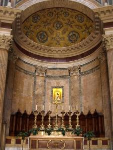 Pantheon alter